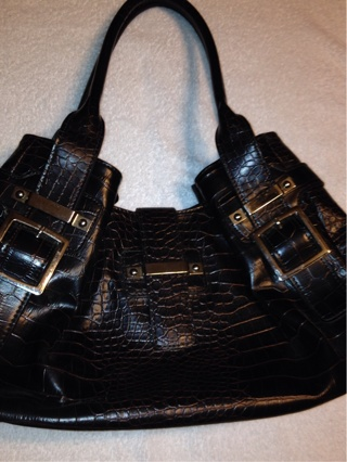 Free Two Nine West Purses Loaded With Amway Products
