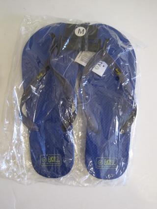 Men's Flip Flops Sandals Shower Shoes Blue Medium/size 7/8 NWT
