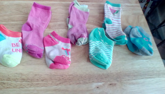 7 Pr Infant Girls Socks Size (12-18) Months: GUC #2
