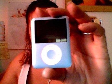 L@@K!! 8GB!! APPLE I POD!! GREAT CONDITION!! FREE S&H!!