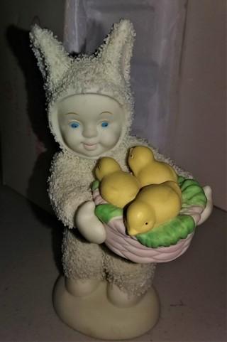 """2001 Snowbunnies ceramic figurine - 4"""" tall - in original box - excellent condition"""