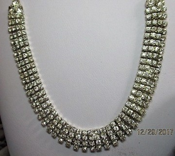ELEGANT COSTUME NECKLACE AND BRACELET *****BLING****