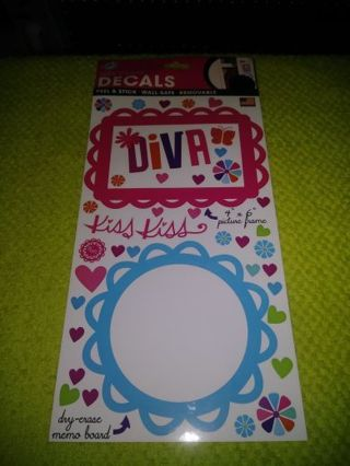 ❤✨❤✨❤️BRAND NEW SHEET OF GLOSSY DRY-ERASE DIVA DECALS & PICTURE FRAMES❤✨❤✨❤ONLY 1!