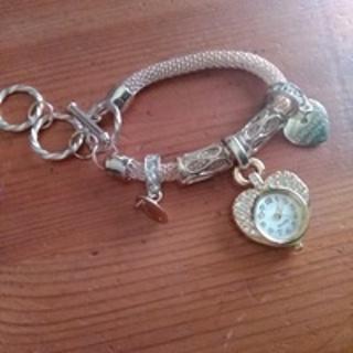 Watch Gold Silver Chain Wrist Bracelet Watch Love Heart Pendant Women Watches Luxury Quartz Watch
