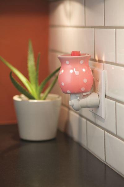 Free Brand New In Box Pink Amp White Gumdrop Plug In
