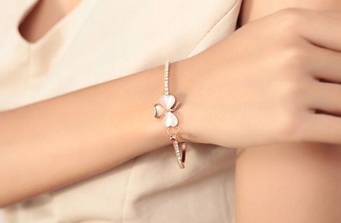 Hot Fashion Lady Gold Plated Bracelet