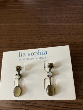 Lia Sophia vintage earring pair # 4