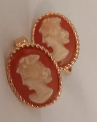 Vintage clip earrings shell cameo