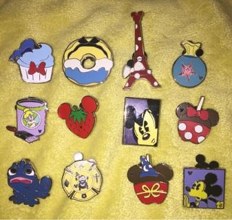 12 Collectible Disney Pins