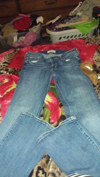 Women Hollister jean size 7R