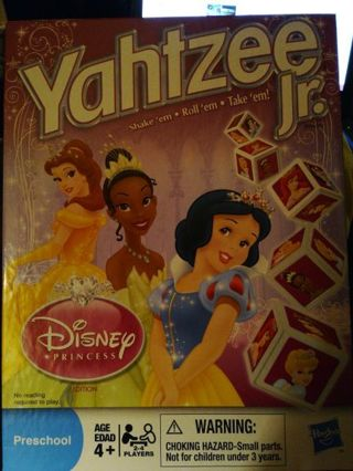 YAHTZEE JR. DISNEY PRINCESS=FREE SHIPPING