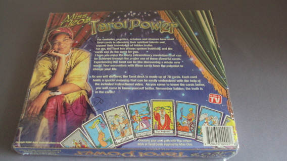 Miss Cleo Tarot Game New In Box Sealed