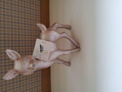 Wonder shop glitter coated plastic deer