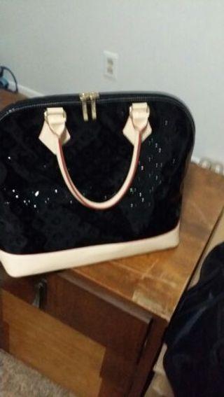 Invece Handbag Pure 100 Leather Italy