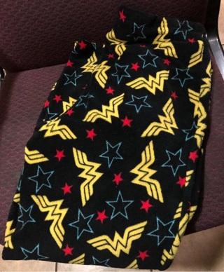 Women's Wonder Woman PJ Pants SZ Medium (8-10)