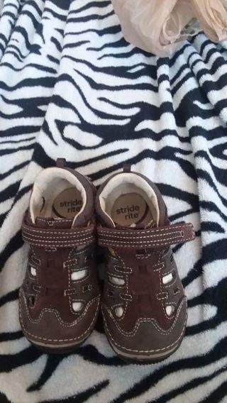 Baby boy 6.5w stride rite shoes