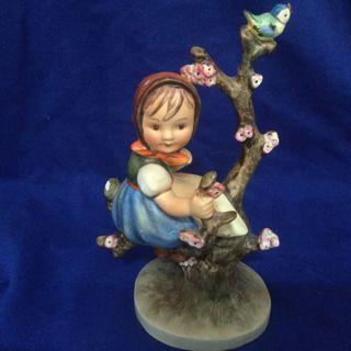 Rare Vintage Goebel M I Hummel Figurine APPLE TREE GIRL 141/1 TMK 3 Stylized Bee  - read