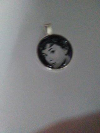 Audery Hepburn necklae