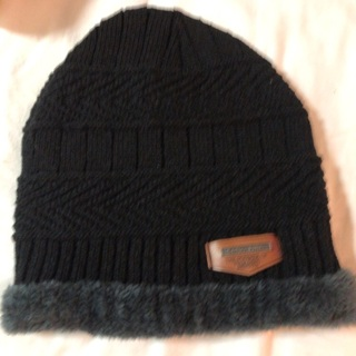 Knitted and Lined Black Slouchy Hat. #03