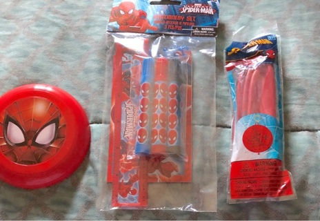 BNIP Marvel's SPIDER-MAN Lot. Mini Frisbee, Notepad w/3 Markers, ruler And a Jumbo Ball!!