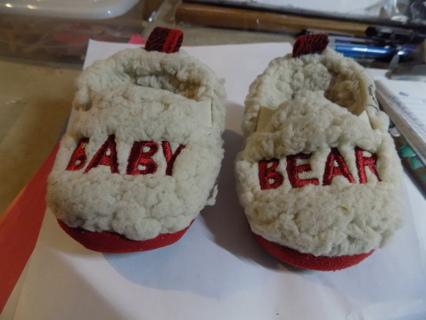 Dear Foam Baby Bear Fleece bedroom slippers  sizd 6-9 months