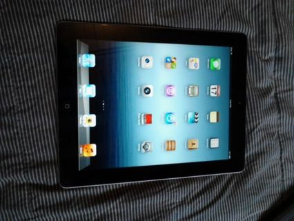 **IPAD 3 32GB WITH CASE*** LOW GIN