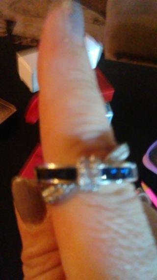 Beautiful knot style ring