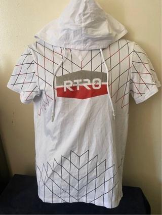 XIO's Men's Hooded Top