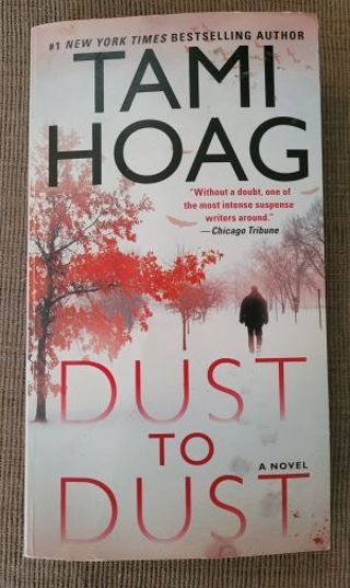 Dust to Dust by Tami Hoag. softback book