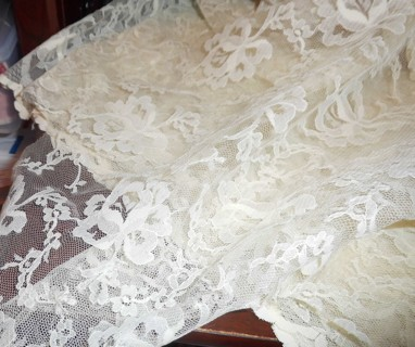 Off White Lace 46 x 29 inches - plus extra