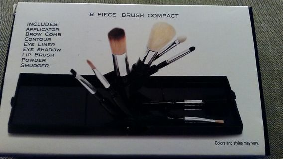 8 Piece Brush Compact by Makeover Essentials! New in Box!!