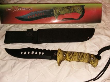 New in box Tac XTREME Black Blade Desert Tree Camo Knife