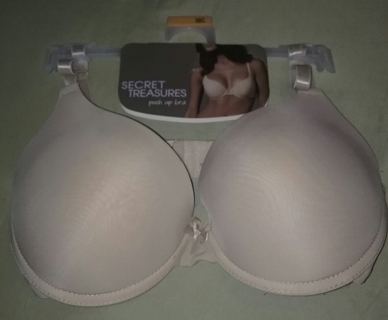 New SECRET TREASURE Ultra Push up bra Size 36C