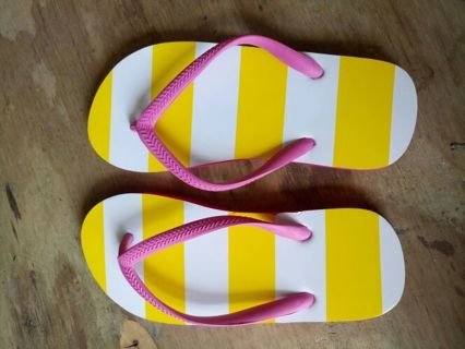 Brand new Clinique Striped Flip Flops Imprint Size Small Beach Summer 5 6
