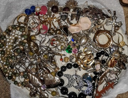 Lot of old used mixed Costume Jewelry