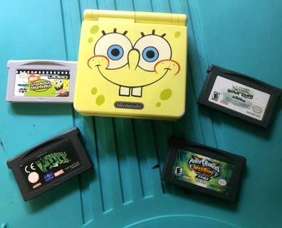 Hard to Find Vtg Limited Edition Spongebob Yellow GBS AGS-101 Plus 4 Games