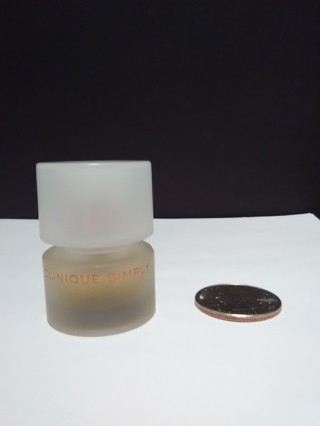 Clinique Simply  for women .14 FL Oz /4 ml