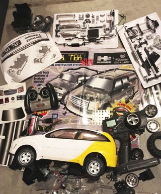 RANDOM MODEL REMOTE CONTROL CAR & CAR PARTS DIY HOBBY TOY CAR MODEL ELECTRIC
