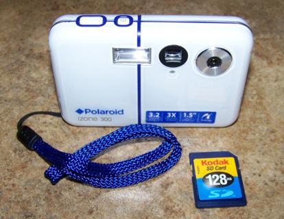 afa61de144 Polaroid IZONE 300 3.2 MP Digital Camera + USB Cable + SD Card - WORKS GREAT