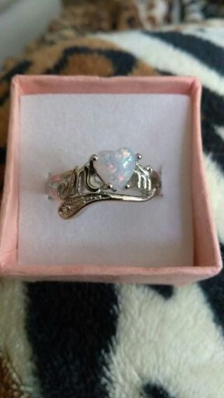 SALE!!!!!!! STERLING SILVER 925 OPAL HEART MOM RING. SIZE 6