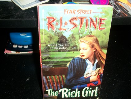 """""""THE RICH GIRL"""" RL STINE FEAR STREET PAPERBACK SCARY READER FREE SHIPPING!!!"""