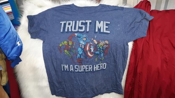MARVEL XL TRUST ME I'm A Superhero Tshirt