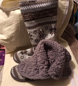 Women's boot slippers size 10