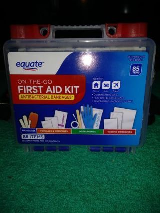 ❤✨❤✨❤️BRAND NEW 85 PIECE EQUATE™ ON-THE-GO FIRST-AID KIT❤✨❤✨❤