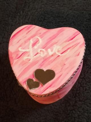 WOODEN TRINKET HEART SHAPED BOX