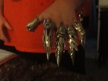 5 finger armer rings,so cool,all of them