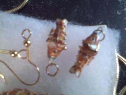 Beautiful Fish Necklace & Earrings set!