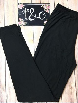 PLUS SIZE SOLID BLACK LEGGINGS BUTTERY SOFT SIZES 12-20 NWT FREE SHIPPING!
