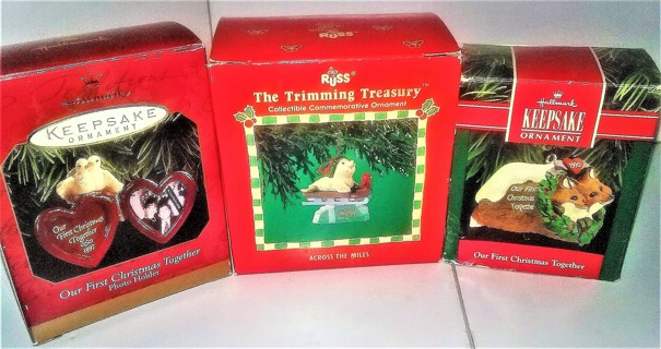 3 Boxed Christmas ornaments - Excellent condition