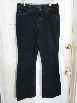 EUC NINE WEST BOOTCUT JEANS- SZ 10